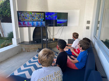 Mobile-Video-Game-Party